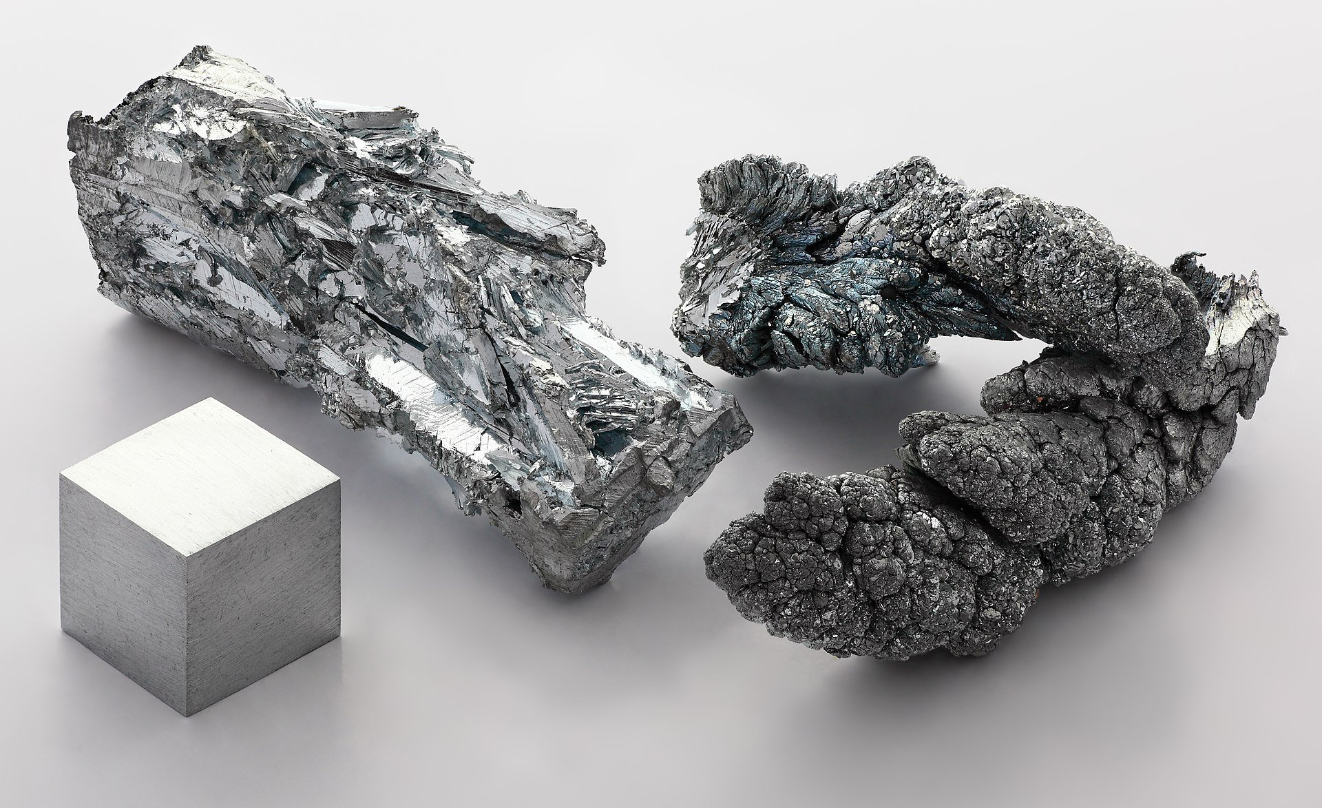 1920px zinc fragment sublimed and 1cm3 cube